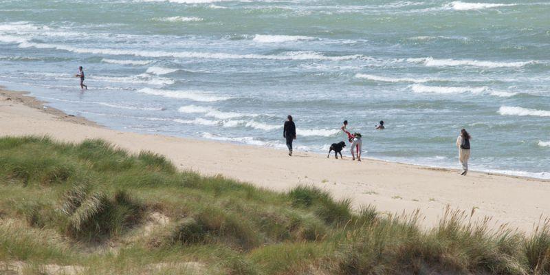 Promenade au pied des dunes
