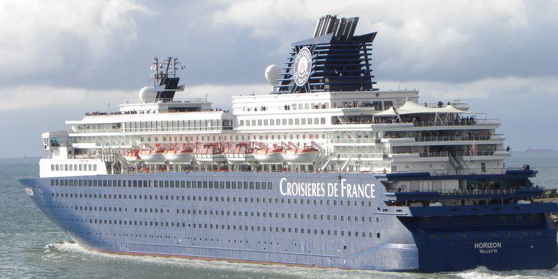 Croisières-de-France-L-Horizon-port-de-Calais