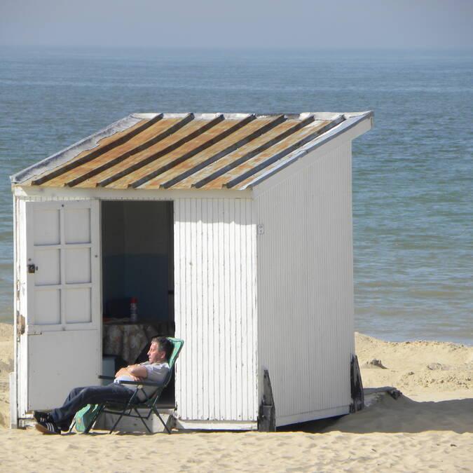 en solo sur la plage